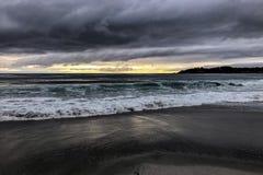 Playa tempestuosa en Carmel, California Fotos de archivo libres de regalías