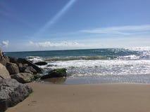 Playa tranquila Imagenes de archivo