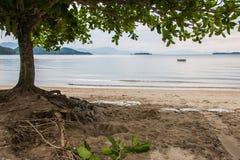 Playa tranquila de Paraty Imagen de archivo libre de regalías