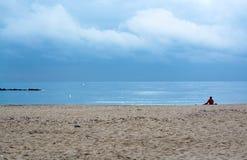 Playa tranquila del invierno Fotos de archivo libres de regalías
