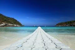 Playa tropical aislada Foto de archivo libre de regalías