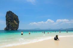 Playa tropical arenosa blanca en verano Fotografía de archivo libre de regalías