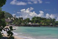 Playa tropical, centros turísticos Imágenes de archivo libres de regalías