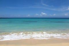 Playa tropical con el fondo del espacio de la copia Foto de archivo