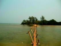 Playa tropical de la isla Foto de archivo libre de regalías