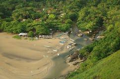 Playa tropical de la isla - Ilhabela, el Brasil Foto de archivo