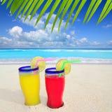 Playa tropical de la turquesa de los cocteles Fotos de archivo