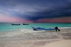 Playa tropical del Caribe del huracán de la tormenta fotos de archivo libres de regalías