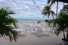 Playa tropical en Aruba con una sala de estar Fotografía de archivo libre de regalías