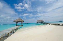 Playa tropical en maldives Imágenes de archivo libres de regalías
