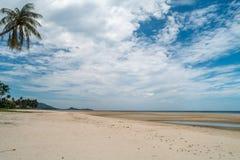 Playa tropical en Tailandia Fotografía de archivo libre de regalías