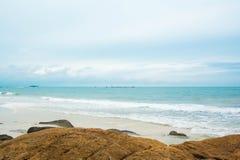Playa tropical hermosa del paraíso en Tailandia Foto de archivo libre de regalías
