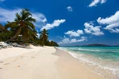 Playa tropical hermosa en el Caribe foto de archivo libre de regalías