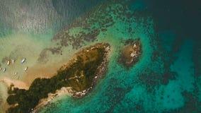 Playa tropical hermosa, visión aérea Isla tropical metrajes