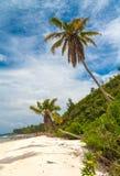 Playa tropical imponente Fotos de archivo libres de regalías