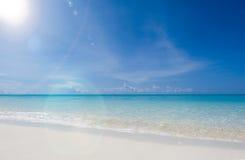 Playa tropical maravillosa del paraíso de la isla Imágenes de archivo libres de regalías