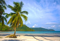 Playa tropical sin tocar en Tailandia Foto de archivo