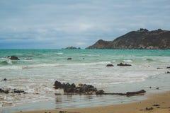 Playa vacía cerca de Dunedin, isla del sur, Nueva Zelanda fotos de archivo libres de regalías