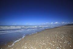 Playa vacía en Normandía Francia Foto de archivo