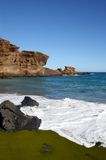 Playa verde de la arena en Hawaii Foto de archivo libre de regalías