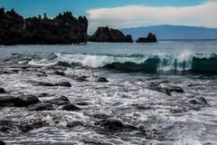 Playa volcánica de la arena del negro de la arena del la de Playa Foto de archivo libre de regalías