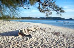 Playa y barco Foto de archivo