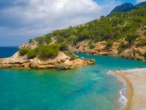 Playa y costa rocosa Imagen de archivo