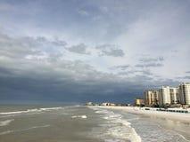 Playa y edificios de la Florida Fotografía de archivo