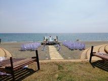 Playa y el casarse fotografía de archivo