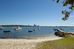 Playa y horizonte de Perth imagenes de archivo