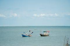 Playa y mar azul fotos de archivo libres de regalías