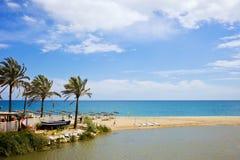 Playa y mar en Costa del Sol foto de archivo libre de regalías