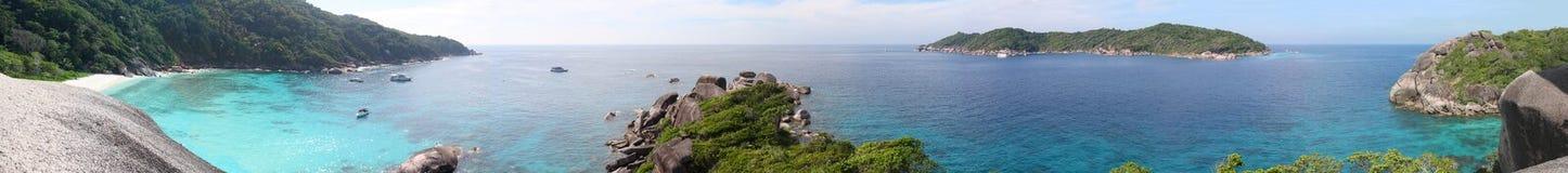 Playa y mar en las islas de Similan, panorama Imagen de archivo