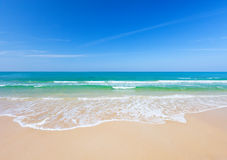 Playa y mar tropical Fotografía de archivo