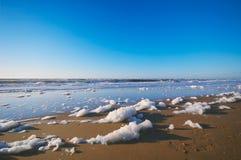 Playa y océano foto de archivo libre de regalías
