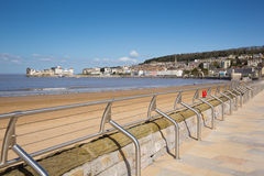 Playa y orilla del mar Somerset de la Weston-estupendo-yegua Imagenes de archivo
