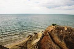 Playa y piedra Fotografía de archivo
