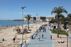 Playa y 'promenade' en Alicante, España Fotografía de archivo