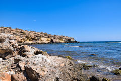 Playa y rocas Foto de archivo