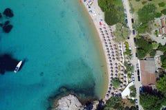 Playa y un barco Fotos de archivo libres de regalías