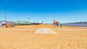Playaen San Jose i Encarnacion i Paraguay på floden Parana royaltyfri fotografi