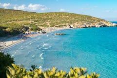 Playas prístinas hermosas de San Pietro Island, Cerdeña, Italia Imagenes de archivo