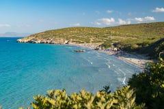 Playas prístinas hermosas de San Pietro Island, Cerdeña, Italia Foto de archivo libre de regalías