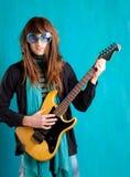 Playe pesante della chitarra della retro anca dell'annata di umore Immagini Stock