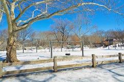 Playgrond στο Central Park, Νέα Υόρκη στο χιόνι Στοκ φωτογραφία με δικαίωμα ελεύθερης χρήσης