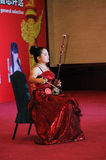 Playing the erhu girl Royalty Free Stock Photos