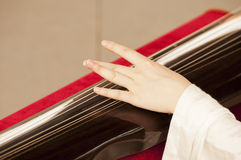Playing  guqin Royalty Free Stock Images
