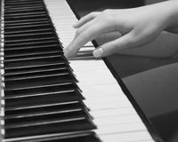 Playing the old piano Royalty Free Stock Images