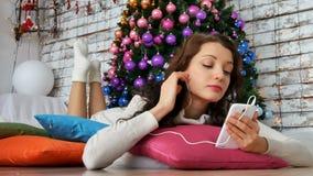 Playlist του νέου έτους, μουσική για τα Χριστούγεννα, φωτεινό ντεκόρ για την ημέρα των ευχαριστιών, υποομάδα νεολαίας 4K φιλμ μικρού μήκους