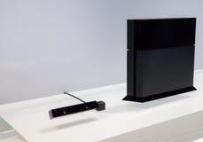 PlayStation 4 και κάμερα PlayStation Στοκ φωτογραφίες με δικαίωμα ελεύθερης χρήσης